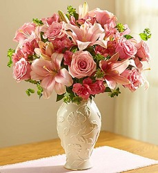 Lovely in Lenox Bouquet From Stellar, your flower shop in Sylvania, OH