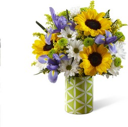 The FTD Botanical Bouquet From Stellar, your flower shop in Sylvania, OH