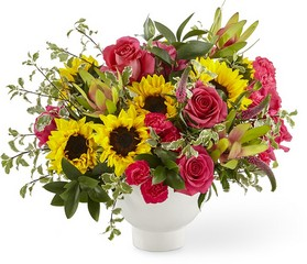 The FTD Fresh Beginnings Bouquet From Stellar, your flower shop in Sylvania, OH